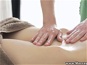 massage X - anal on rubdown table