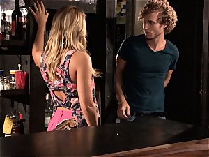 Barmaid Carter Cruise smashes her chief at work