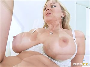 Julia Ann gives her some never-to-be-forgotten hook-up lessons