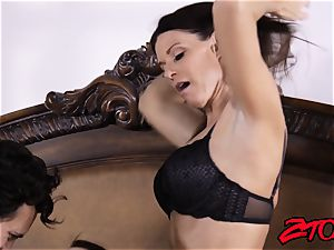 India Summer shares manstick with Avy love