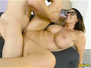 Mature hefty bra-stuffers housewife Reagan Foxx seduces her insane stepson