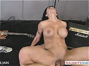 spectacular jewels Jade bj's penis and takes a facial cumshot