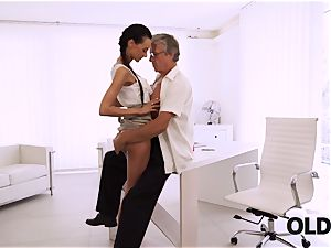 OLD4K. ideal secretary entices elder stud to get another promotion
