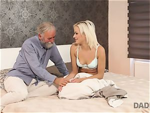 DADDY4K. chick rails elder gentleman s joystick in parent porno flick