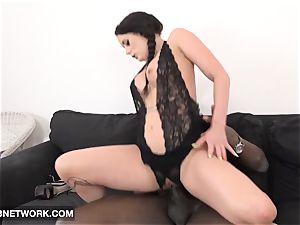 Mature stunner gets gash and ass fucking plumbed hardcore romp vid