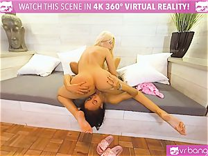 VRBangers.com-Milf gets her cunt groped by ebony