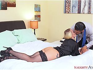 Bored and horny housewife embarks the day with buttfuck fucking