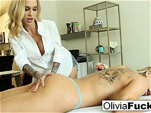 Olivia Austin gets pummeled by Sarah Jessie