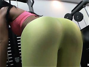 Kelly Diamond swaps fitness for porking