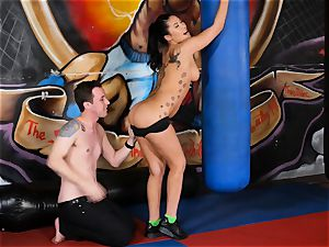 japanese sweetie London Keyes plows her boy after a workout