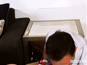 black-haired Aidra Fox takes it deep in her tight muff