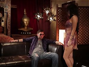 Asa Akira gives this dude some serious practice