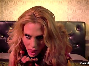 jaw-dropping Sarah Jessie fingers herself in leather gloves