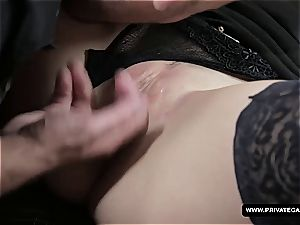 Czech babe gets her pretty butt boned on a porno audition