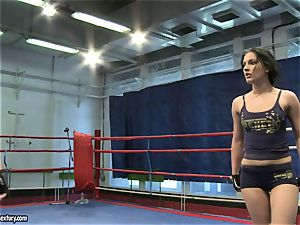 babe demon and Melanie Memphis do fight in the ring