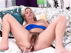 Alicia Silver fucktoys her wooly honeypot and mischievous ass