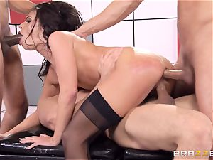 Adriana Chechik plows three schlongs at once