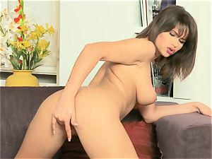 Cinthia gal packs herself with a glass lovemaking plaything