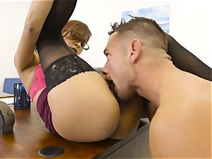 chief Jade Jantzen deep throats and boinks a enormous dicked worker