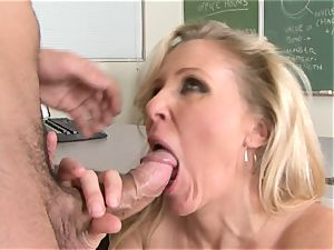 Julia Ann is a gonzo mummy who wants to put her puss on a rock hard stiffy