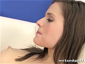 Teeny super-bitch Silvia Luca wants to taunt her gash