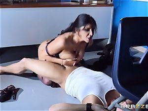 Romi Rain fucke din the classroom