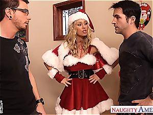 luxurious Nicole Aniston wants to make both their peckers sense supreme for Christmas