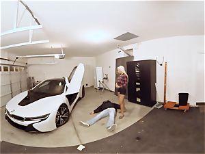 VR PORN-Hot milf poke The Car Theif
