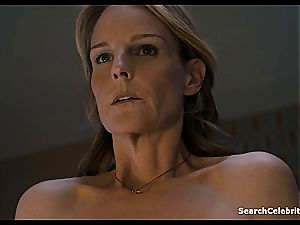 Heavenly Helen Hunt has a shaved coochie for viewing