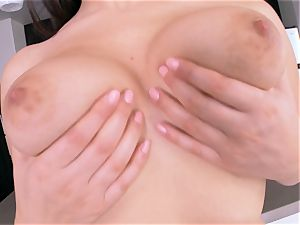 fiery Valentina Nappi gets out her outstanding kinks