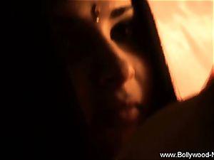 Wanderlust Leads To Indian bombshell dark haired mummy