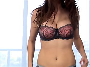 uber-sexy beginner Ashley Adams works her casting perfectly